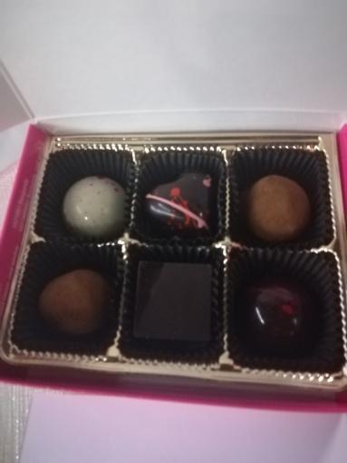 Pitter Patter Chocolate's Valentine's Day box.